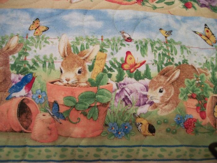 Big Bunny Hug Border detail