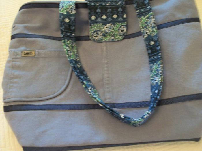 Anne D. blue purse back