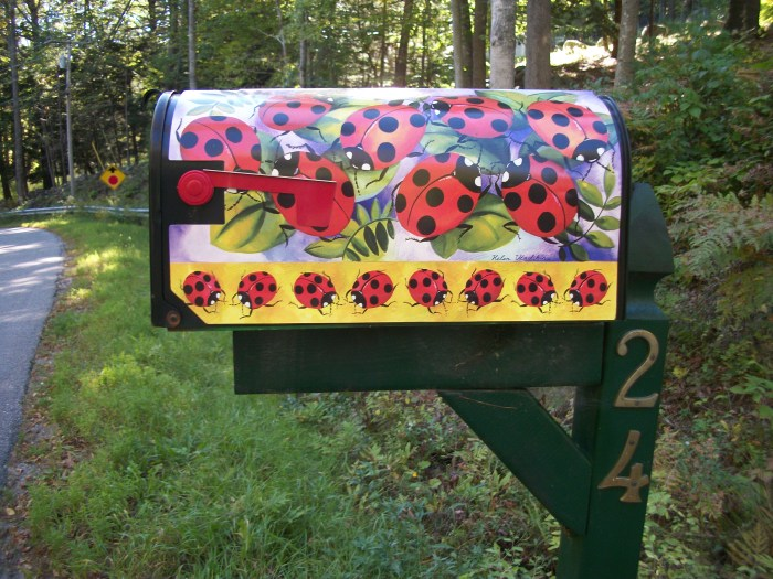 Sept. 29, ladybuy mailbox cover